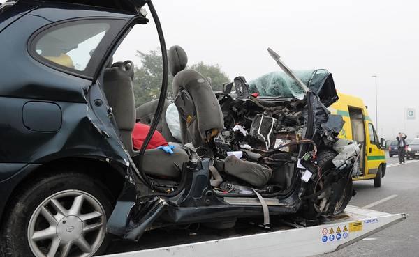 Incidenti stradali: 5 morti nel Torinese, distrutta famiglia