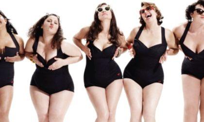 """La rivincita delle donne in carne Le """"curvy"""" spopolano sul web"""