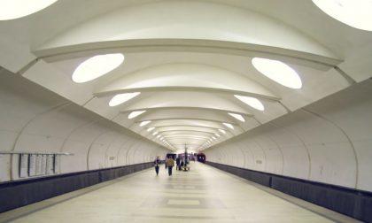 La tragedia nel metrò di Mosca per uno scambio montato male