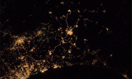 Bombe su Gaza (dallo spazio) – A. Gerst