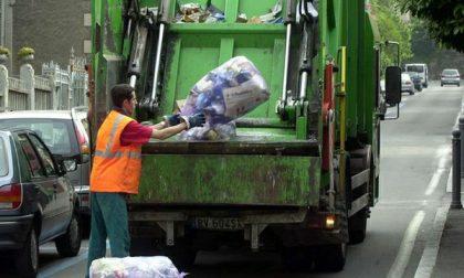 A Bergamo sale la raccolta differenziata, il Comune: bene i nuovi sacchi e le nuove regole