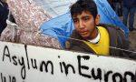 Cosa sta succedendo a Calais dove gli immigrati lottano tra loro