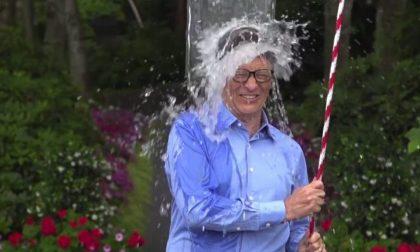 Perché i vip americani si buttano un secchio d'acqua gelata in testa