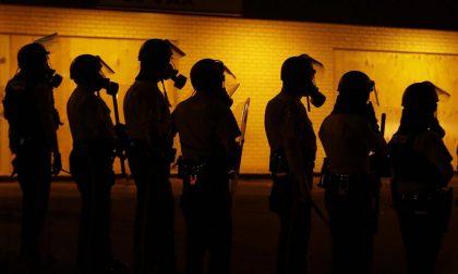 Usare le parole al posto delle armi Le lezioni per i poliziotti americani