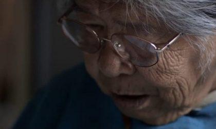 La nonna indiana d'America che salva la lingua della sua tribù