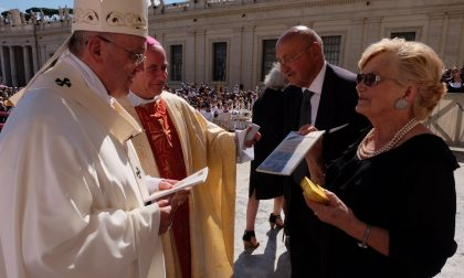 """I nonni di Mapello al Papa """"Con lei è come parlare con Gesù"""""""
