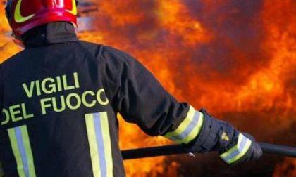 Tre case abbandonate in fiamme in sette giorni, sul Sebino è caccia al piromane