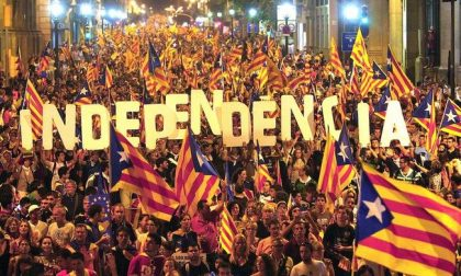 Ecco perché una marea umana ha riempito le strade di Barcellona