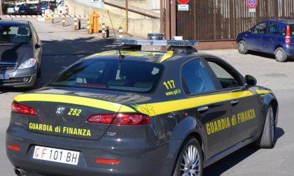 Finanzieri e l'ex direttore del carcere nella carrozzeria sotto inchiesta