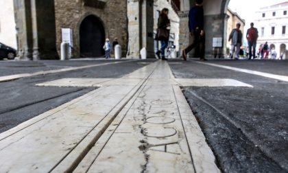 Piazza Vecchia, perché la meridiana è davvero così bella e preziosa