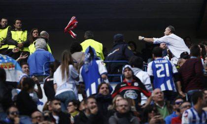 Gli scontri e l'omicidio in Spagna prima di Atletico-Deportivo