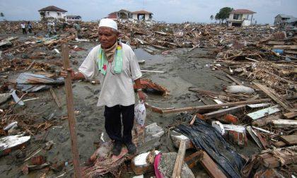Dieci anni dopo lo tsunami l'Indonesia asciuga le lacrime
