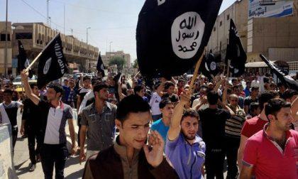 Perché la bandiera dell'Isis è nera
