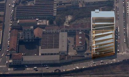 La torre dorata di Prada a Milano Una sorpresa, aspettando l'Expo