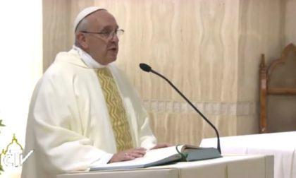 Il Papa: «Dare lavoro in nero è un peccato gravissimo»