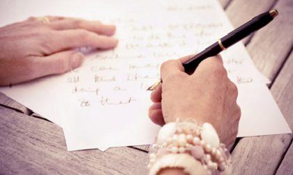 Mettete giù gli smartphone Carta e penna fan bene al cervello