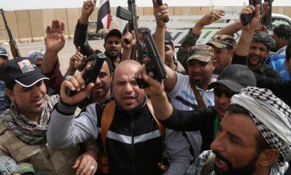 Le atrocità di chi combatte Isis che fanno inorridire anche gli Usa