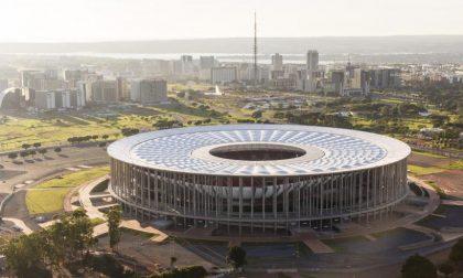 Lo scandalo dello stadio Garrincha Abbandonato, ci parcheggiano i bus