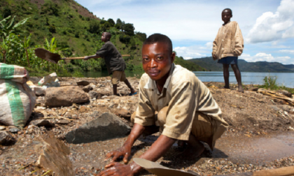 Il coltan, minerale sanguinoso Dall'Africa ai nostri cellulari