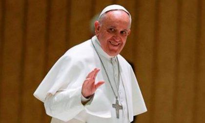 Santità, cosa dare ai nostri figli? «Insegnate il segno della croce»