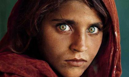 Com'è oggi la ragazza afgana della celebre foto di McCurry