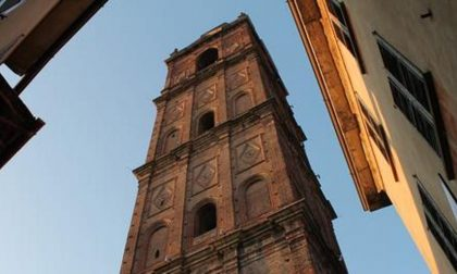 Cosa fecero i caravaggini per avere il campanile più alto