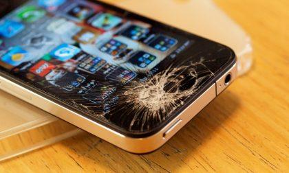 Che fare dei vecchi cellulari? In Italia non lo sanno ancora