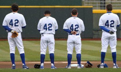 Tutto il baseball con la maglia 42 Succede negli Usa. Ecco perché