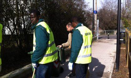 Alfano: «I profughi lavorino gratis» Ma a Bergamo succede da ottobre