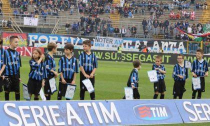 Donne, bambini e pure il questore Foto di un giorno di festa allo stadio