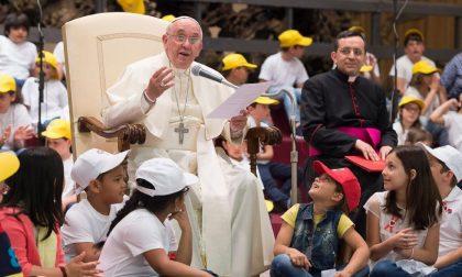«Hai mai litigato coi tuoi fratelli?» I bambini parlano di pace col Papa