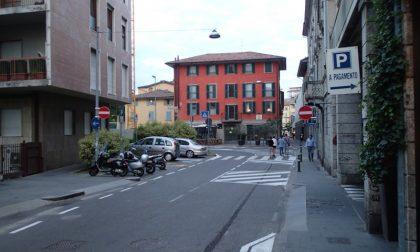 La strana (un po' inquietante) storia del parcheggio di via Borfuro