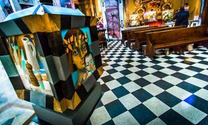 La mostra di Arcabas in Città Alta La bellezza, con lo zampino di Dio