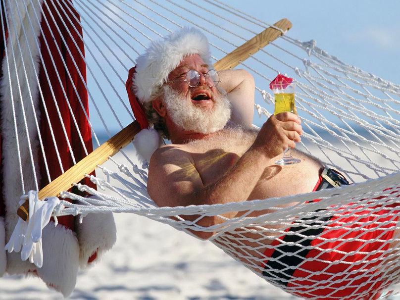 237745__santa-claus-a-hammock-cocktail_p
