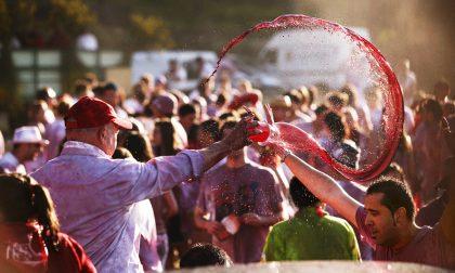 """Alla guerra armati di calici e alcol In Spagna c'è la """"Batalla del vino"""""""