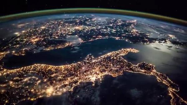 Astrosamantha-Samantha-Cristoforetti-riprende-il-time-lapse