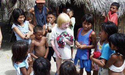"""Tra i """"figli della luna"""" dei Kuna la tribù con più albini al mondo"""