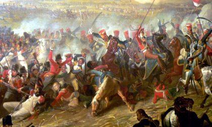 Si sta ricombattendo Waterloo Proprio ora, con 6mila attori
