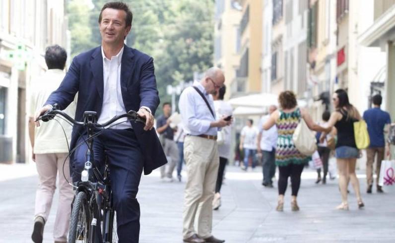 giorgio-gori-in-bicicletta-559131