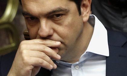 Tsipras celebra un anno al governo Ma la Grecia è di nuovo in piazza