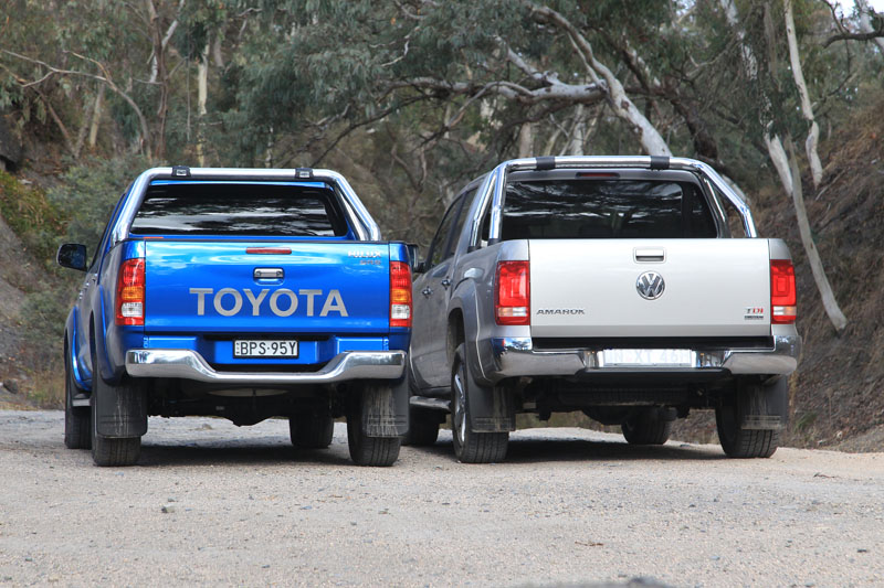 Toyota_HiLux_Vs_Volkswagen_Amarok_Comparison_Test_(6920121932)