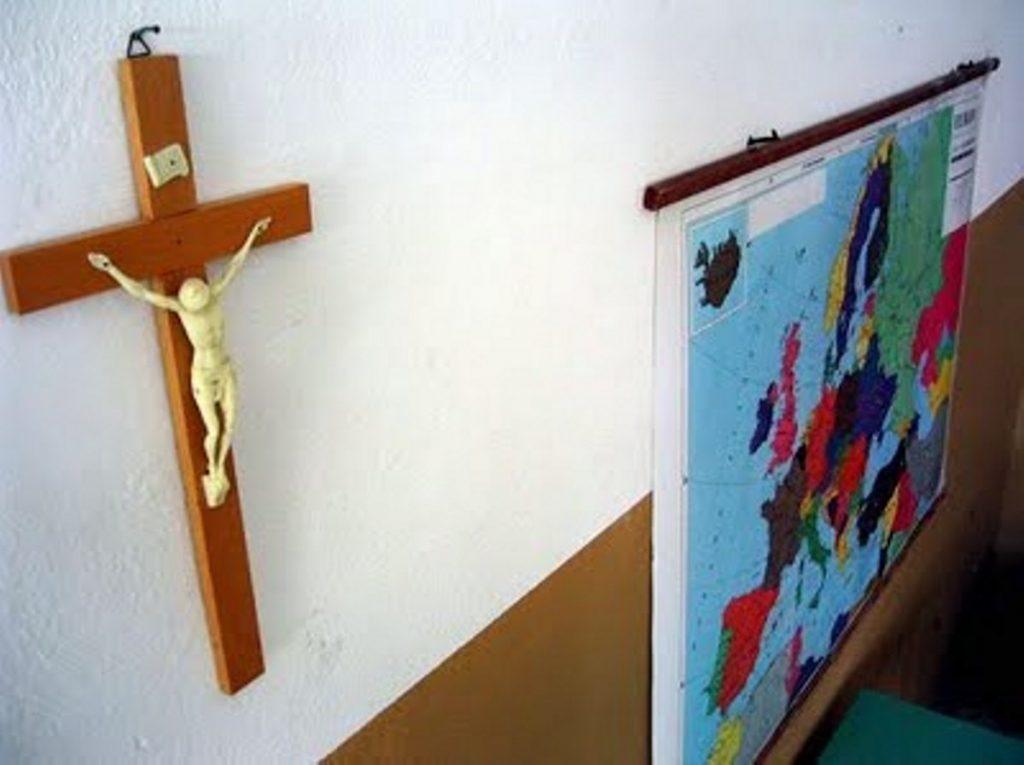 crocifisso-scuola-cattolica1