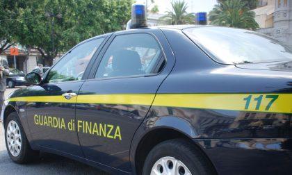 La Finanza scova venti lavoratori irregolari nella Bassa (uno prendeva pure il reddito di cittadinanza)