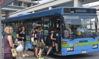 Scuola, allarme per i posti sui bus. Gori: «Necessario rivedere gli orari di ingresso»