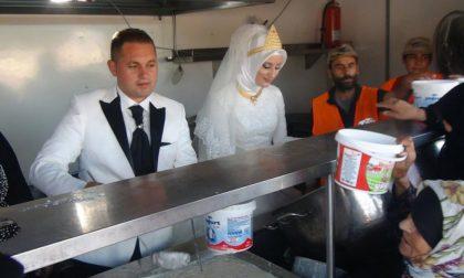 Gli sposi che al loro matrimonio avevano 4mila invitati (profughi)