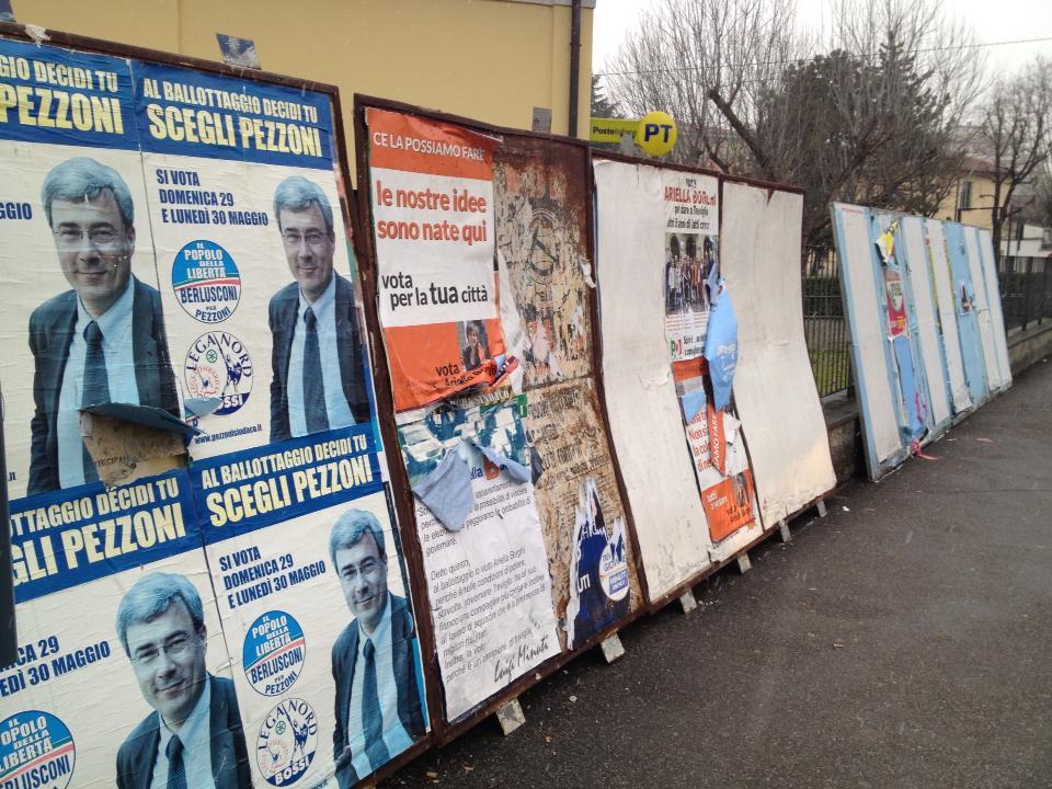 cartelloni elettorali pezzoni