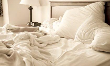 Ecco la scusa per non rifare il letto Non fa bene, lo dice la scienza
