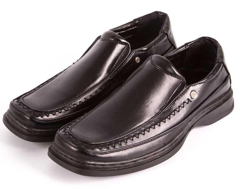 scarpe squadrate