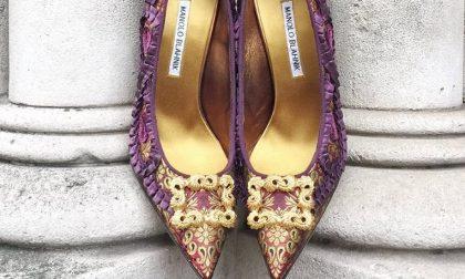 Il re delle scarpe Manolo Blahnik: «Italiane, non siete le più eleganti»