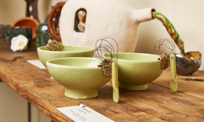 """È l'ora del tè"" in Piazza Pontida Uno scrigno di ceramica artigianale"